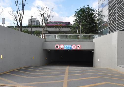 黄石停车场地坪