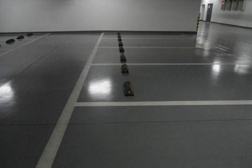 停车场金刚砂地坪
