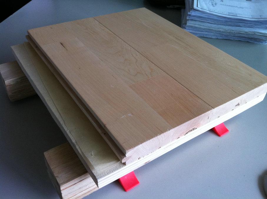 单层龙骨木地板