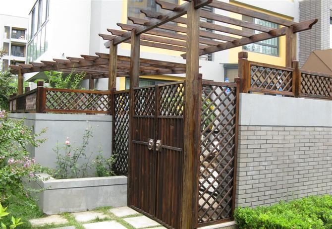 防腐木木门楼