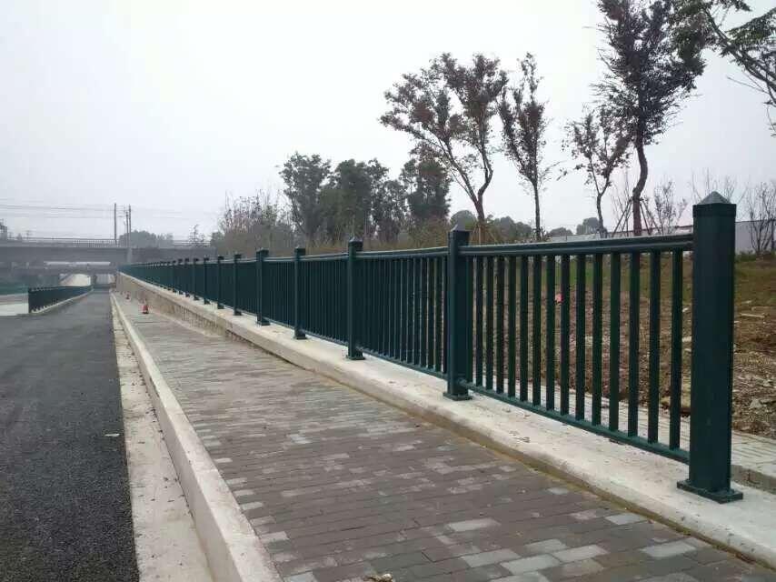 pvc交通护栏