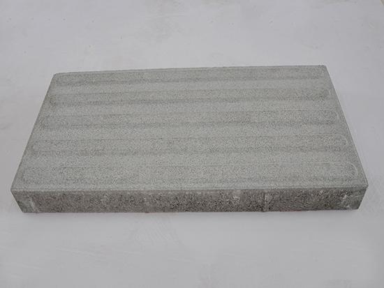 灰色盲道砖
