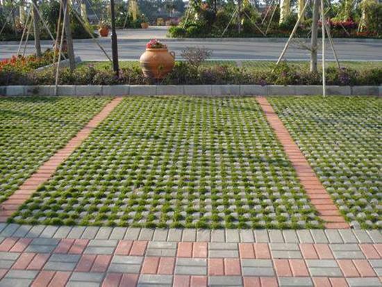植草砖铺设