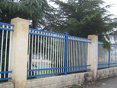 【知识】教你保养河北锌钢护栏 如何确定买到的护栏质量没问题