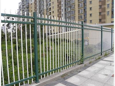 【技巧】石家庄锌钢护栏几大明显优势 教你分辨石家庄锌钢护栏的质量