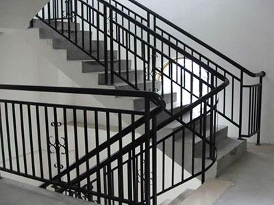 【技巧】揭秘锌钢护栏挑选门道 锌钢护栏明显优点
