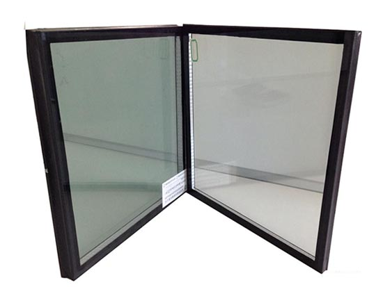 LOW-E玻璃生产
