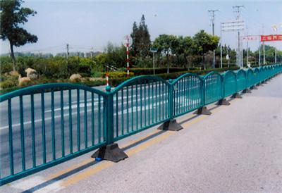 城市道路交通护栏