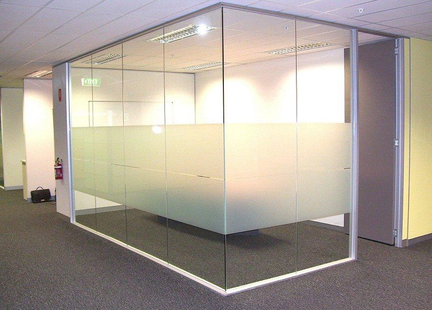 重庆玻璃隔断施工方案