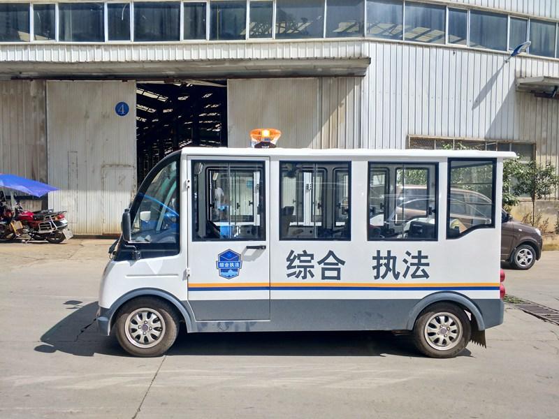 忠辉8座燃油巡逻车