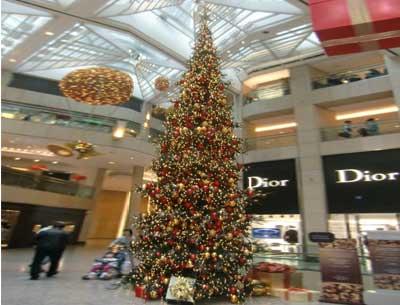 大型圣誕樹示例