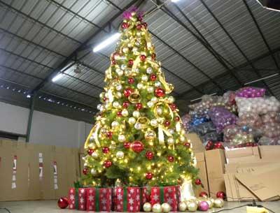 大型灯光圣诞树