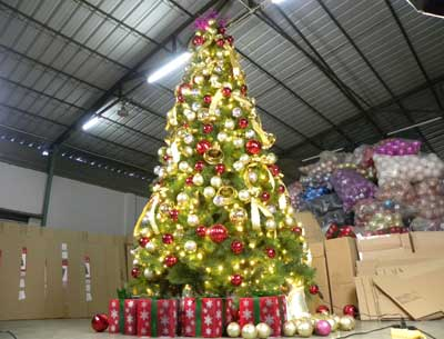 大型燈光圣誕樹