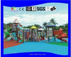 幼儿园滑滑梯