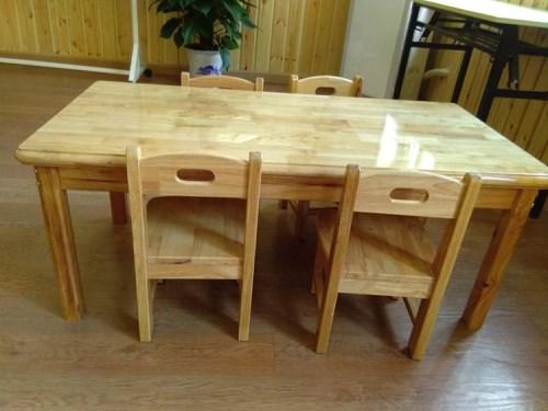 实木幼儿园桌椅厂家