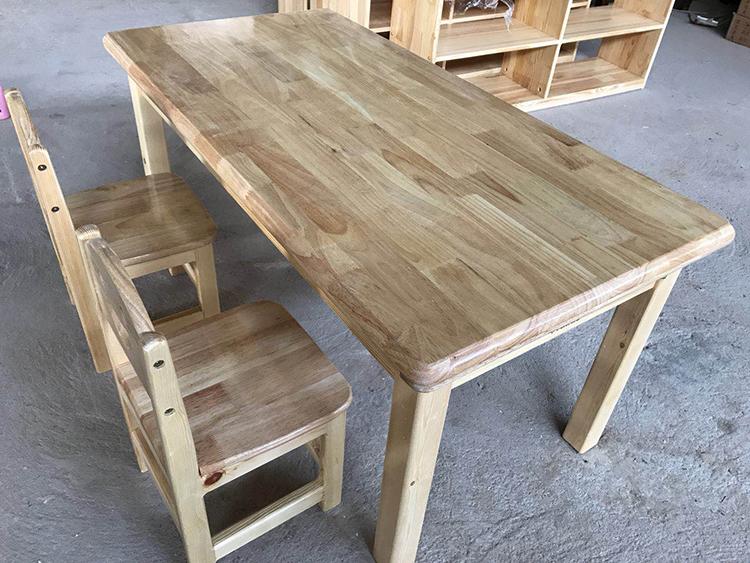 幼儿园木质桌椅厂家