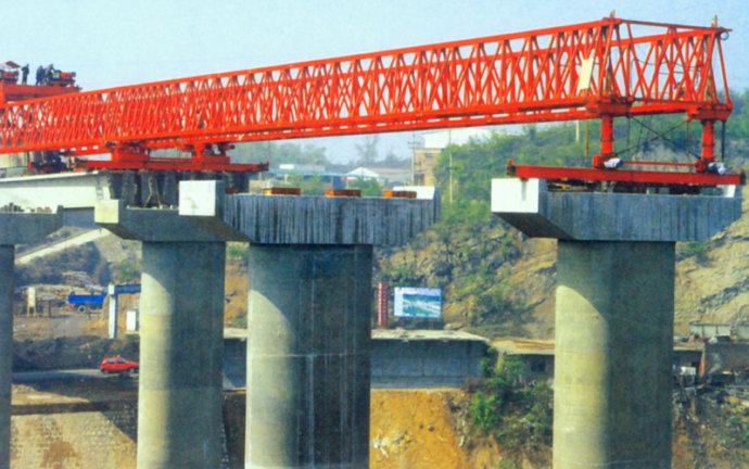 龙门吊公司之衡炎高速架桥机
