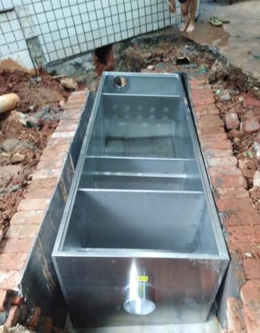 厨房隔油池