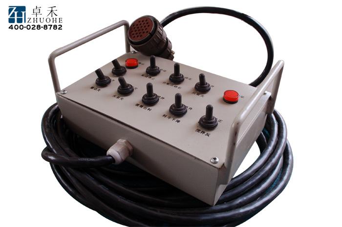 泵送油路选用阀块方法进行高低压切换,快捷,不漏油.            8.图片