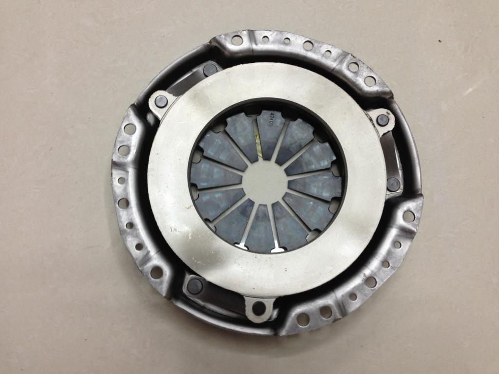 汽车离合器压盘图片