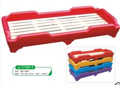 幼儿园塑料小床