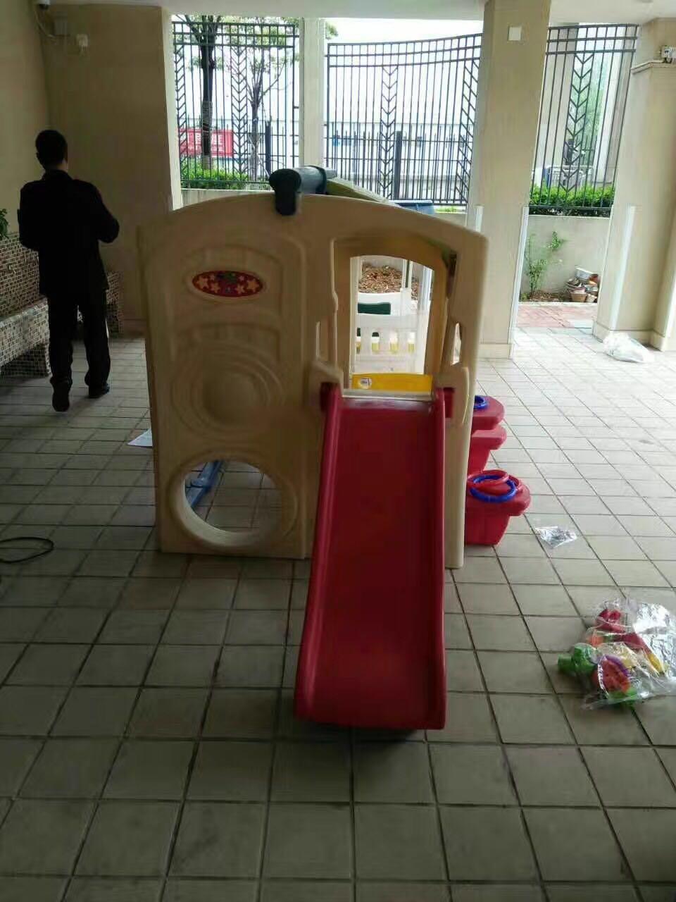 幼儿园儿童滑梯