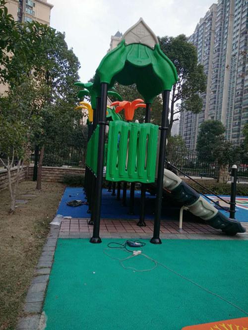 湖北武汉幼儿园户外滑梯