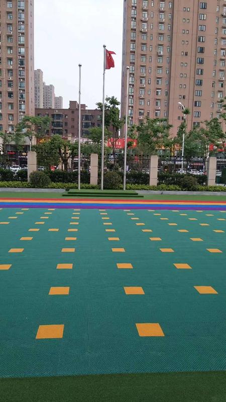 武汉幼儿园户外草坪