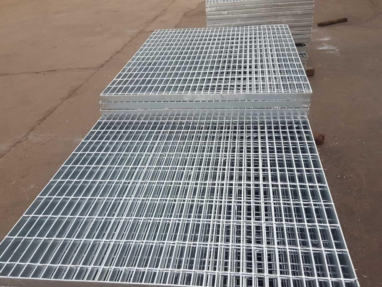 热镀锌钢格板厂家