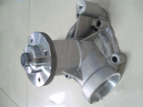 DEUTZ 1013 大小水泵