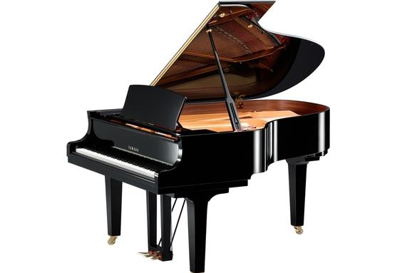附近的钢琴