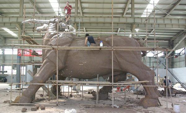 澳门皇冠最新官网动物雕塑