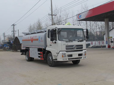贵州东风天龙加油车