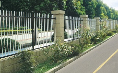 铜仁贵州热镀锌钢制护栏