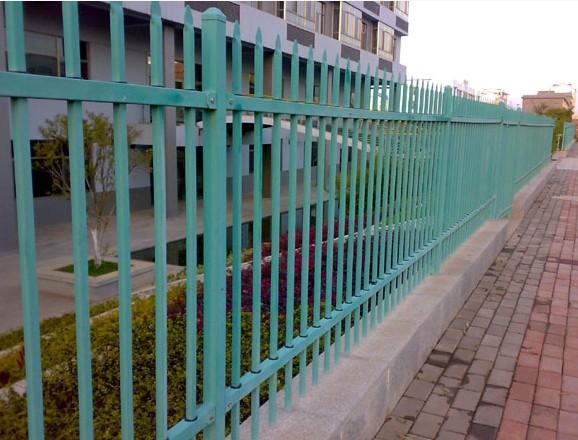 貴陽熱鍍鋅鋼製護欄