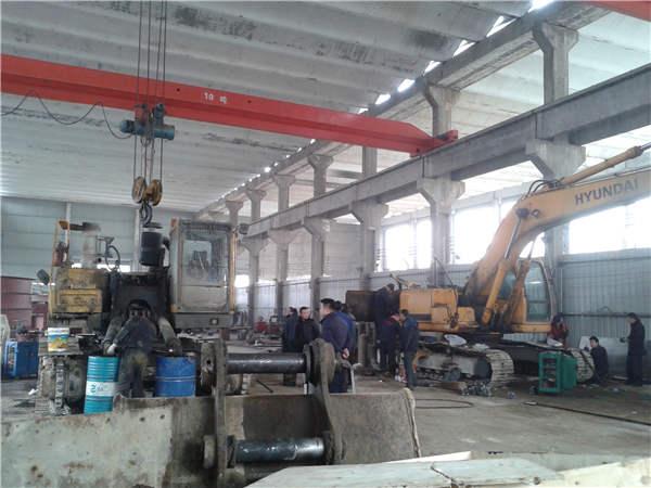 重庆挖掘机维修价格