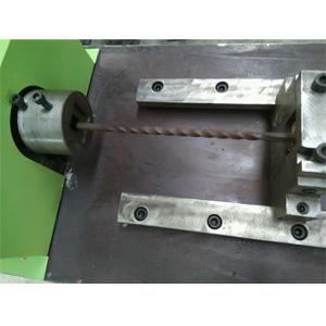 铁艺设备-扭拧电动机