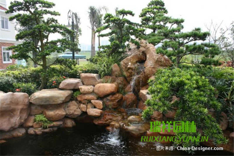 黄蜡石大型假山