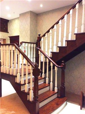 青海实木楼梯