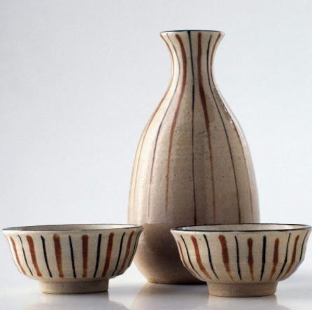 陶瓷瓶装酒
