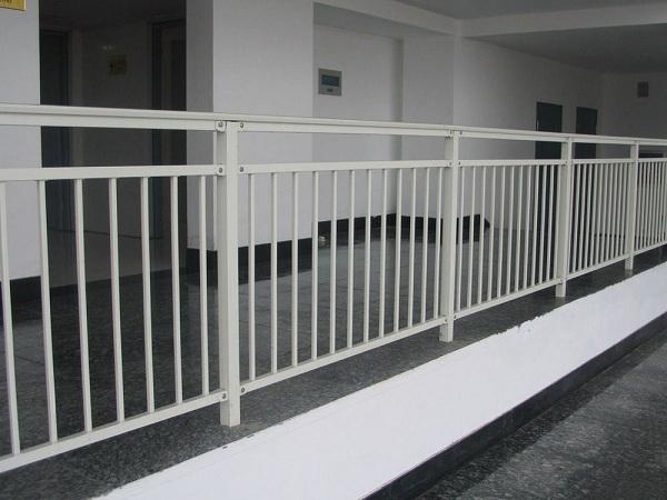 阳台护栏价格