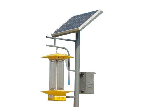 太阳能杆式杀虫灯