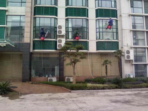 外墙玻璃墙面清洗