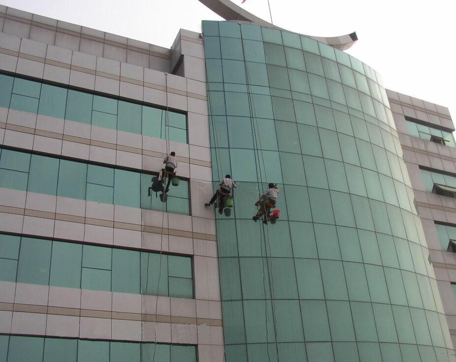 武汉专业外墙清洗公司