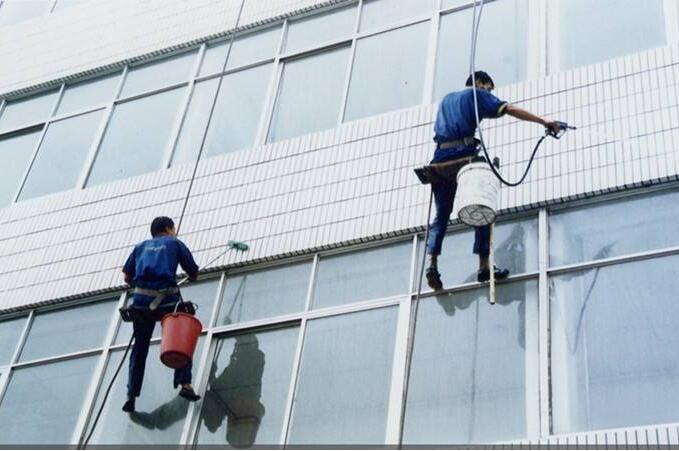 武汉高空清洗外墙