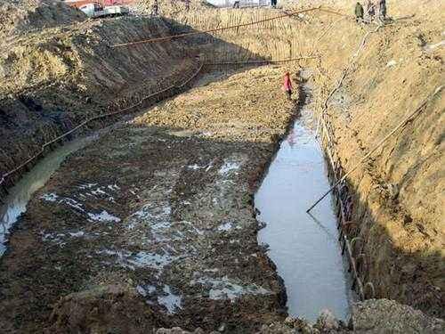 深基坑管井井点降水