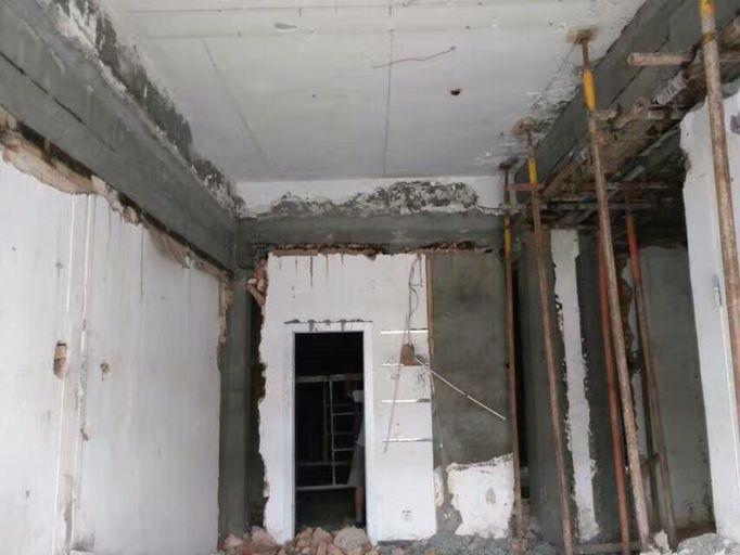 小房墙体改梁
