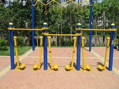 广场健身器材图片