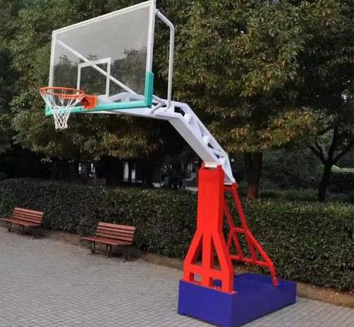 篮球架的高度