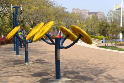 广场体育器材